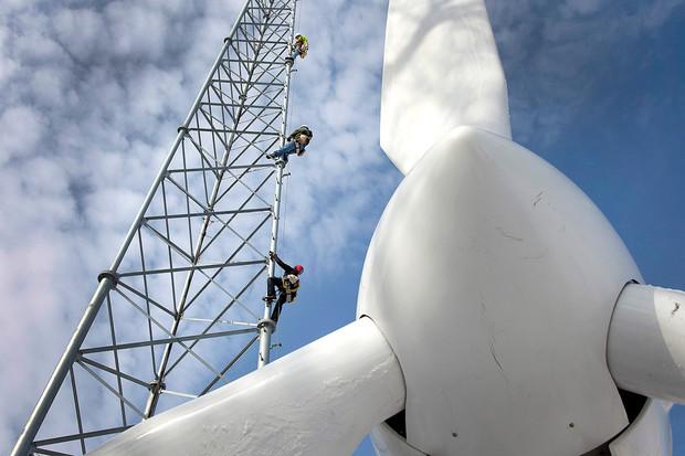 wind-turbine-renewable-energy